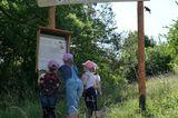 Kinder auf dem Familienpfad Point India, Hessen