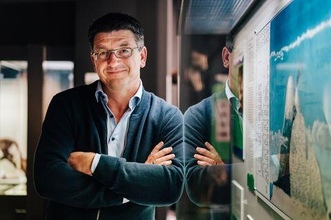 """Matthias Glaubrecht ist Professor für Biodiversität und Direktor des Centrums für Naturkunde (CeNak) in Hamburg. Als Wissenschaftsjournalist hat er mehrmals auch für GEO geschrieben. Sein jüngstes Buch – """"Das Ende der Evolution. Der Mensch und die Vernichtung der Arten""""– ist im Bertelsmann-Verlag erschienen"""