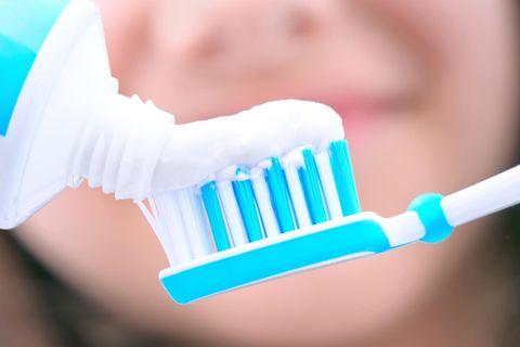 Weiße Zahnpasta